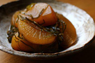 大根と切り昆布の煮物