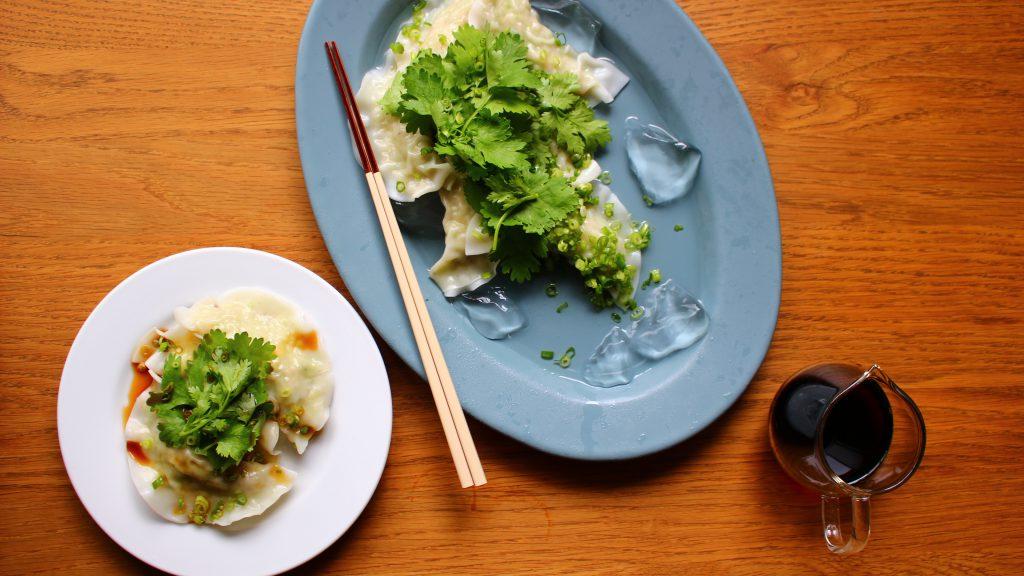 冷製水餃子の香味野菜のせ
