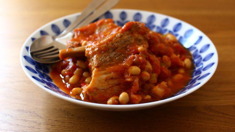 スペアリブと豆のトマト煮込み