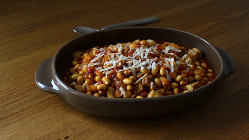 大豆と豚肉の煮込み