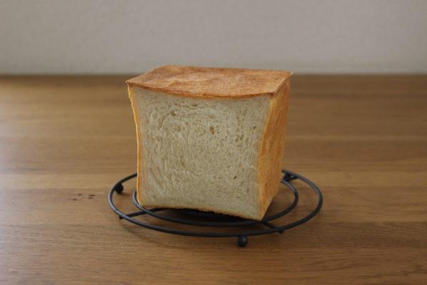 カクカク角食パン