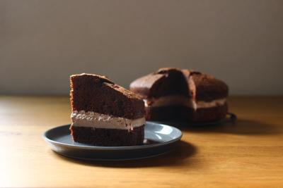 クリームサンドチョコレートケーキ