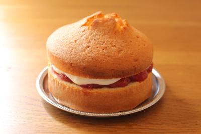 いちごジャムサンドケーキ