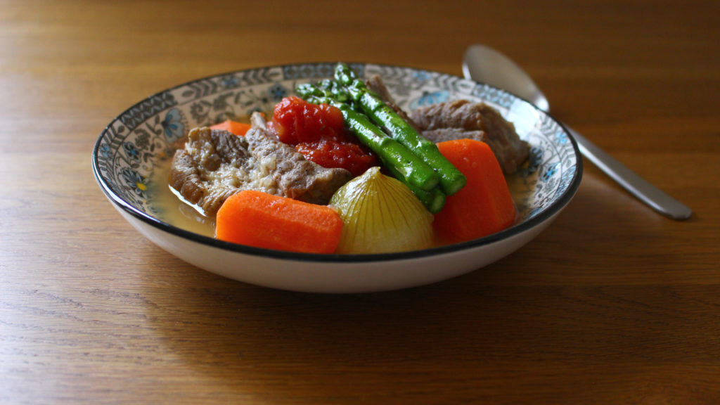 スペアリブと野菜のスープ