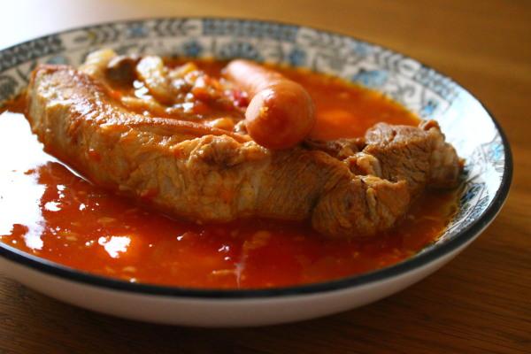 スペアリブとウインナーのトマトスープ