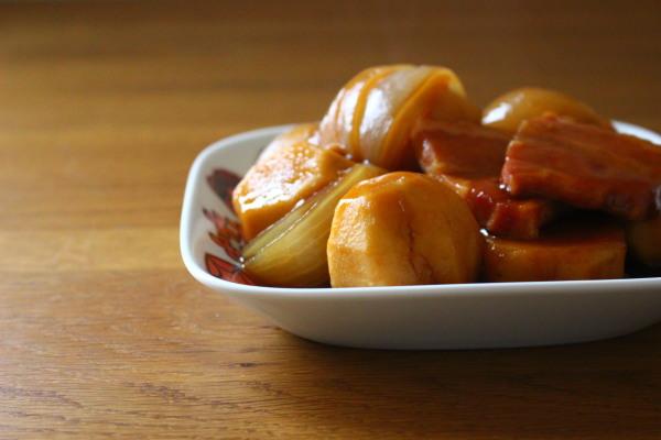 里芋とベーコンの煮物