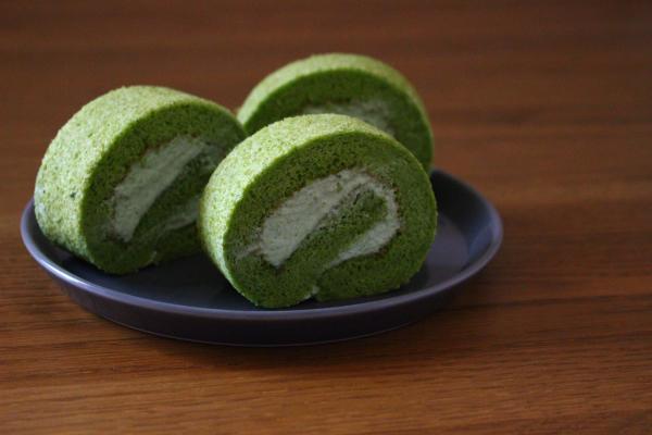 ほうれん草のロールケーキ