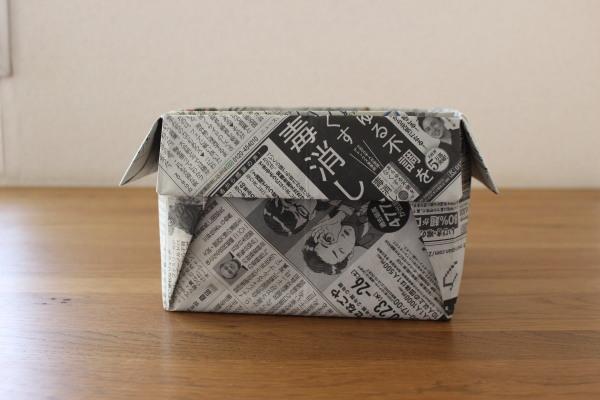 新聞紙の箱