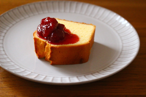 パウンドケーキといちごジャム