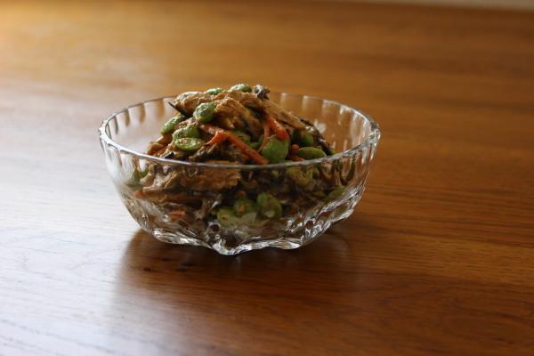 ひじきとチキン、枝豆のサラダ