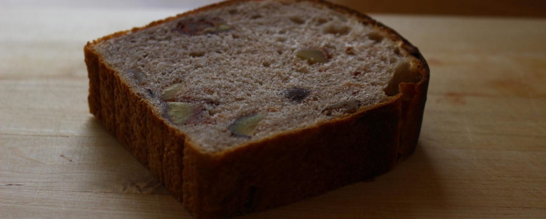 栗の渋皮煮とクルミの食パン