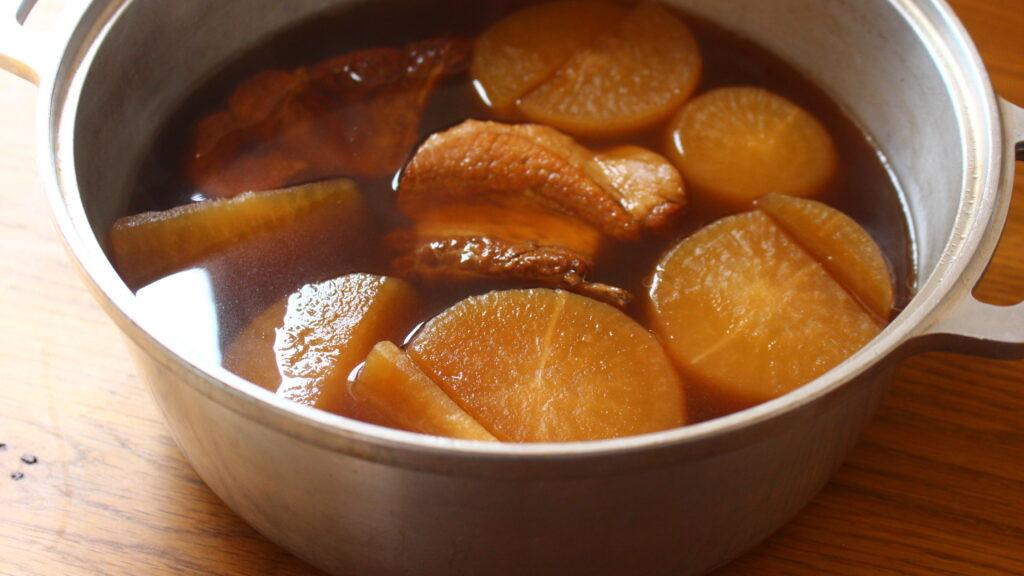 大根と豚スペアリブのべっこう煮