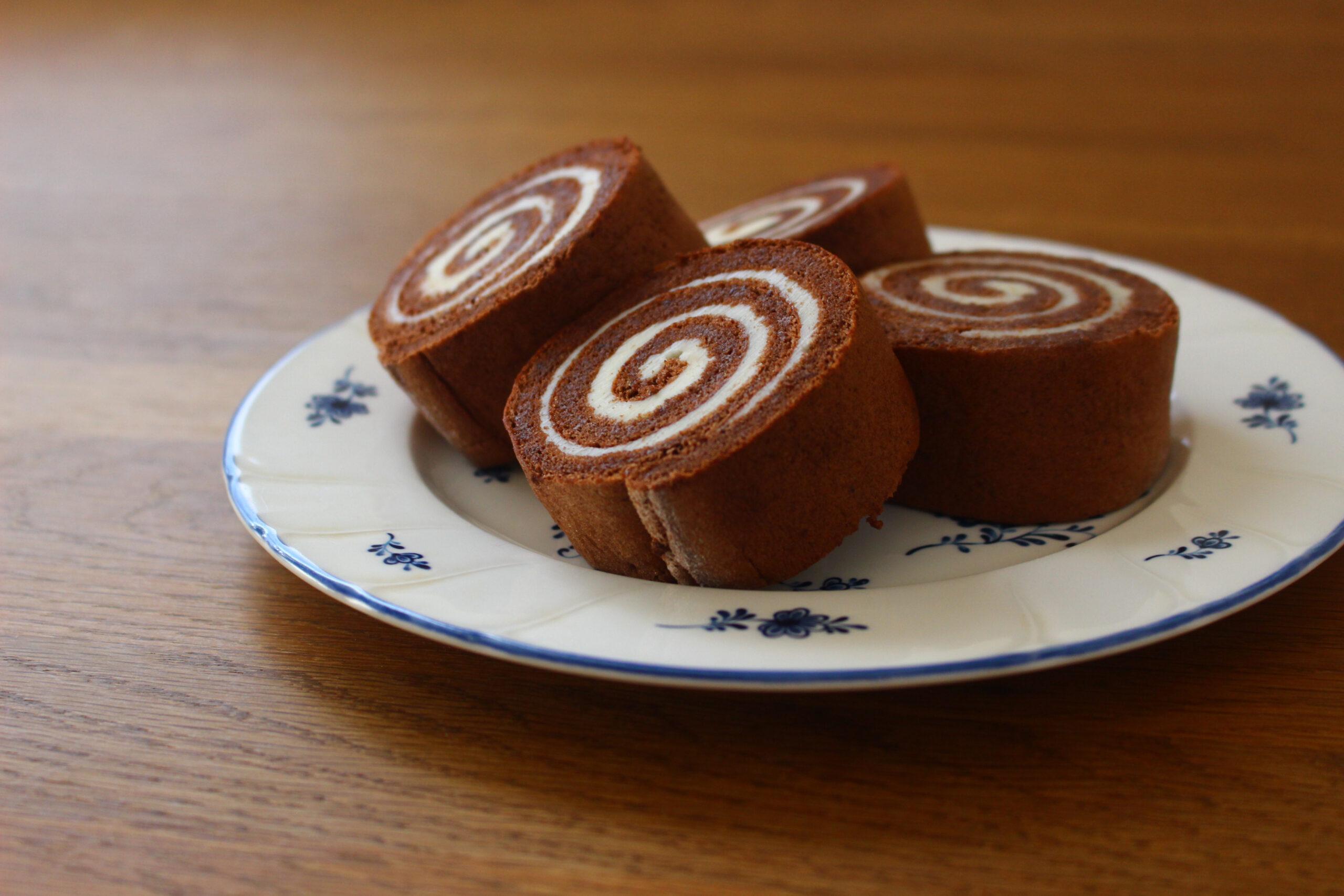 バタークリームのチョコロールケーキ