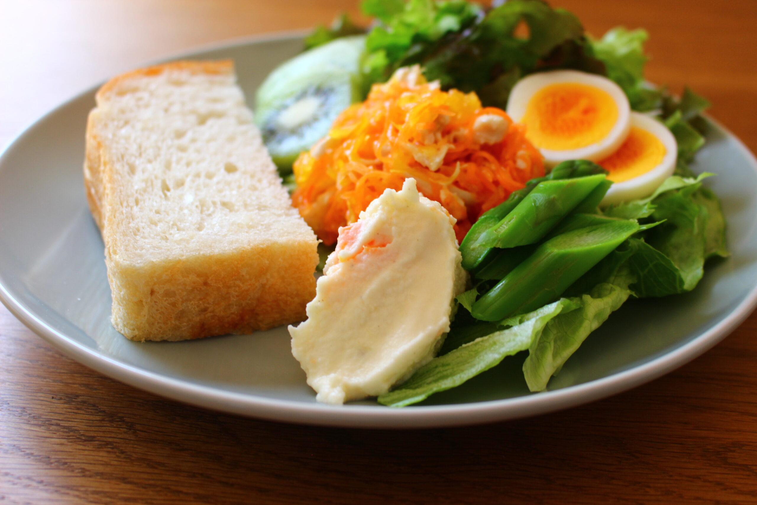 茹で鶏と人参のママレードサラダ