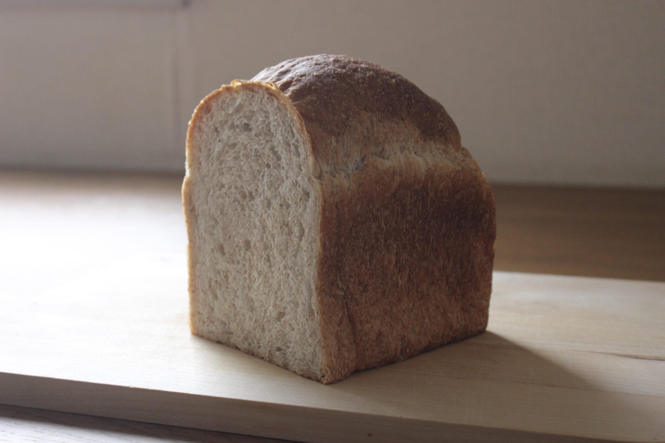 全粒粉の山食パン